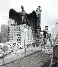 behind the scenes photos of classic movies | Behind-the-scenes photos from old Japanese monster movies