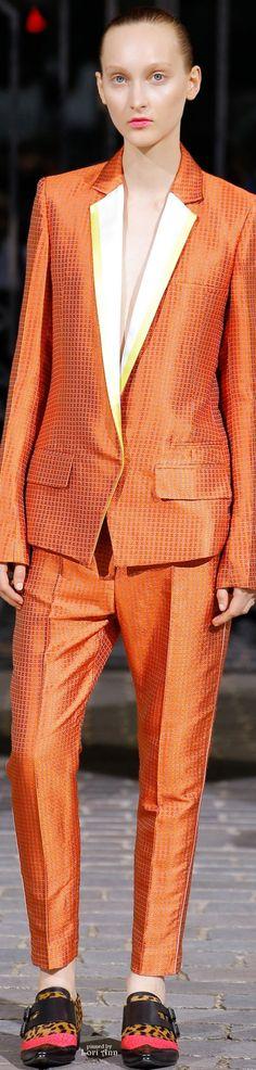 Haider Ackermann from Menswear Spring 2017 Fashion 2020, Runway Fashion, Fashion Trends, Estilo Tomboy, Orange Fashion, Haider Ackermann, Coral Orange, Looks Cool, Glamour