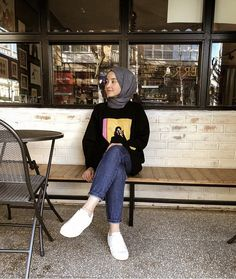 date dress outfit Hijab Style Dress, Modest Fashion Hijab, Modern Hijab Fashion, Street Hijab Fashion, Casual Hijab Outfit, Hijab Fashion Inspiration, Ootd Hijab, Muslim Fashion, Look Fashion