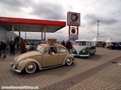 At the gasstation Choo Choo Train, Vw Bugs, Beetles, Type 1, Volkswagen, Antique Cars, Porsche, Fill, Antiques