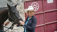 One month to Episode Ten-Ten - Heartland Heartland Season 10, Watch Heartland, Heartland Tv Show, Murdoch Mysteries, Ty And Amy, Amber Marshall, Writers And Poets, Tv Reviews, Canadian Actresses