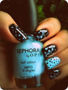 Black and blue polka dot nails inspiration. #nails