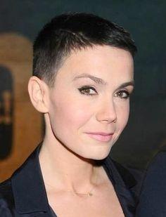 Smooth Subtle Fade - 30 Short Ombre Hair Options for Your Cropped Locks in 2019 - The Trending Hairstyle Short Brown Hair, Very Short Hair, Short Hair With Bangs, Short Hair Cuts, Short Hair Styles, Wavy Hair, Trending Hairstyles, Pixie Hairstyles, Short Hairstyles For Women