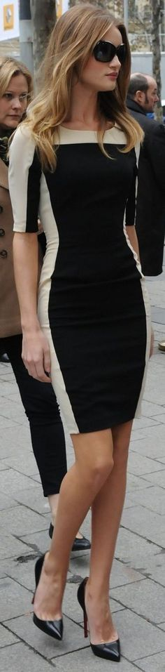 Curating Fashion & Style: Model street style | Color block flattering dress with pointed black heels