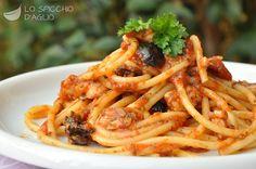 Pasta al sugo di triglie. Recipe in italian