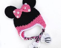 """Hi there! This listing is for a RED Minnie Mouse Hat. This cute hat is a perfect gift for any Minnie Mouse lover!  I do also have a Minnie Mouse Baby Set, check it out. https://www.etsy.com/listing/290146311  Care Instructions included *100% Acrylic *Made in a Smoke/Pet Free Home *Made to order CUSTOM ORDERS ALWAYS WELCOME! Need a different color, just leave in the """"note to seller"""" section. Need a different size, send me a convo!  I recommend adding insurance to protect you against loss or…"""