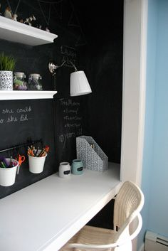 No. 29 design: house tour {pre-tween girls bedroom} make the area immediately above her desk the chalkboard paint