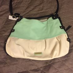 """‼️NWT‼️Steve Madden tote Mint, white & black. 20"""" across& 15"""" tall. New with tags. I love this big it's just too big for what I wanted to use it for. Offers welcome. Steve Madden Bags Shoulder Bags"""