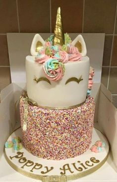 Rainbow unicorn cake (Cake Decorating Unicorn) (birthday cake for teens) Unicorn Birthday Parties, Unicorn Party, Rainbow Unicorn, Unicorn Cakes, 5th Birthday, Birthday Ideas, 13th Birthday Cake For Girls, Teen Birthday Cakes, Unicorn Themed Cake