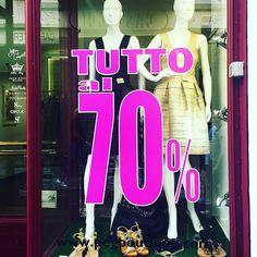 SUPER SALDI!!!.#ultimigiotnidisaldi #ultimipezzi #black&gold #fashionstyle #occasioni @pegbboutique #instadmood #dress #shoes #SpedizioneGratuita  Www.pegbpitique.com