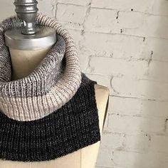 Ravelry: Flying Solo pattern by Espace Tricot Knitting Needles, Knitting Yarn, Knitting Machine, Knitting Charts, Knitting Patterns, Crochet Scarves, Knit Crochet, Knit In The Round, Crochet Projects