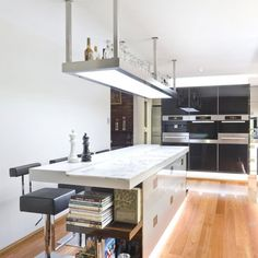 Sophisticated Minimalist Black And White Kitchen Design