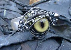 Dragon's eye ring #Wire #green #Jewelry