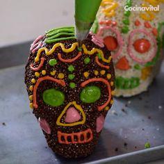 Comida De Halloween Ideas, Halloween Crafts For Kids, Yummy Treats, Delicious Desserts, Sweet Treats, Gourmet Candy Apples, Postres Halloween, Comida Diy, Buzzfeed Food Videos