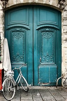 Teal doors.  Love.