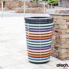 http://www.atech-sas.com/A-6337-pastel-corbeille-multicolore-acier.aspx / Corbeille de propreté composée d´une structure et de lames multicolores en acier métallisé et thermolaqué. / Disponible avec ou sans bac intérieur en polyéthylène.