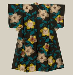 A small meisen silk kimono with bold flower motifs.  Mid-Showa...