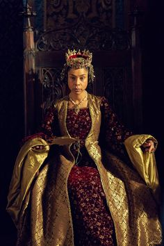 Sophie Okonedo in The Hollow Crown[images via] Apparently I should be checking out this miniseries adaptation of Shakespeare's history plays, immediate-style.