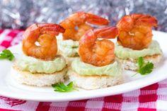 Новогодняя закуска из креветок и авокадо - Рецепты. Кулинарные рецепты блюд с фото - рецепты салатов, первые и вторые блюда, рецепты выпечки, десерты и закуски - IVONA - bigmir)net - IVONA bigmir)net