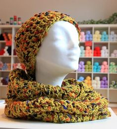 Pebble infinity scarf and beanie set Yarn Store, Knit Crochet, Infinity, Winter Hats, Beanie, Knitting, Prague, Fashion, Moda