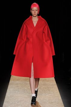 Comme des Garçons Fall 2012 Ready-to-Wear Fashion Show