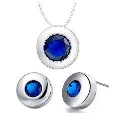 Afbeelding van http://g03.a.alicdn.com/kf/HTB117PqHVXXXXcNXpXXq6xXFXXXq/nieuwe-mode-bijoux-2014-granaat-smaragd-robijn-saffier-blauwe-steen-kristal-ketting-oorbellen-sieraden-sets-voor.jpg.