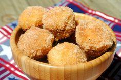 Muffins de Canela:  Faciles magdalenas de desayuno, enrolladas en canela y azúcar. Perfecto para el congelador also!