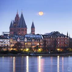 Glowing Fullmoon over the old City - Fullmoon over the historic part of Mainz-Germany, photo by Marcus Farmer Visit Germany, Germany Travel, Wonderful Places, Beautiful Places, Mainz Germany, Black Forest Germany, Popular Holiday Destinations, Road Trip Adventure, The Beautiful Country