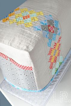 Sewing machine cover. Do.Good Stitches Host Swap, for my partner by LRstitched, via Flickr