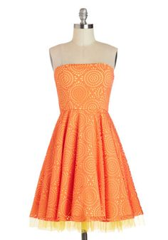Citrus Burst Dress, #ModCloth.... ***** LOVE ***** LOVE****** LOVE****** !!!!!!!!! Have the yellow tulle and yellow back ground change to hot pink with hot pink shoes this would be PERFECT!!!!!