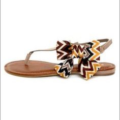 Chevron NEW bamboo sandals size 8-1/2 NEVER WORN cream, brown, yellow/ gold bow and taupe thing sandals. Bamboo Shoes Sandals