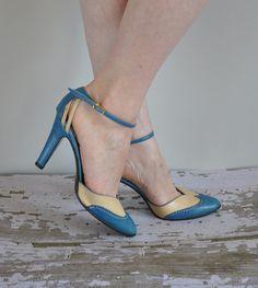 vintage 1950s/ 60s heels/ 50s/60s blue heel/ by simplicityisbliss, $125.00