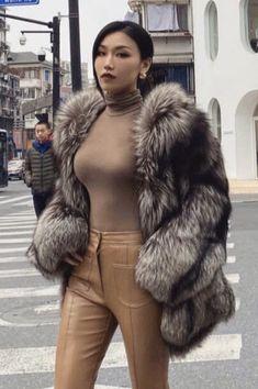 Fur Fashion, Winter Fashion, Womens Fashion, Asian Woman, Asian Girl, Fox Fur Coat, Fur Coats, Sexy Women, Women Wear