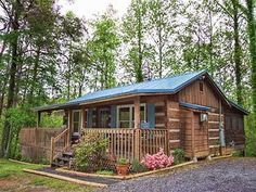 Fly Away Vacation Cabin Rental in Pigeon Forge and Gatlinburg Tennessee