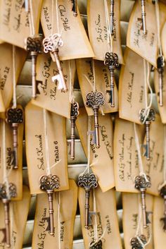 Key Escort Card -15 Unique Ways to Help Your Wedding Guests Find Their Seat via Brit + Co