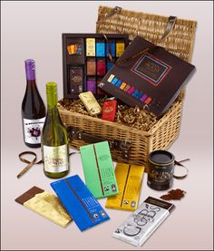 This Green & Black's organic chocolate with 2 bottles of wine, a ultimate choice of luxury chocolate & wine gift hamper costs only £50 at Green & Blacks.