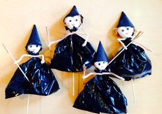 Hekse Diy And Crafts, Arts And Crafts, Halloween Crafts, Christmas Ornaments, Holiday Decor, Witches, Mad, Home Decor, Halloween