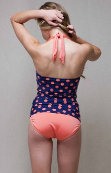 Womens Tankini Swimsuit Tops! Girls!!! Check these swimsuits out! If you like modest and cheap swimsuits, check the link out! Just bought a bathing suit from this website!