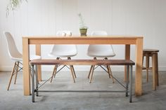 Hey, I found this really awesome Etsy listing at http://www.etsy.com/es/listing/94920120/parsons-dining-table-solid-quarter-sawn