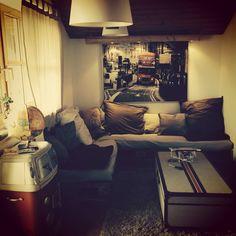 Couch aus Paletten, VW Schrank, Bar Tisch
