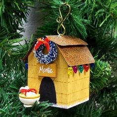 Christmas ornament - painted woodblock with a few little things to jazz it up a bit :)! Totally going to try and do this!!