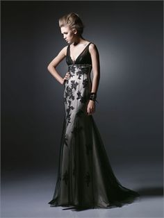 Sexy Deep V-neck Floor Length With Lace Appliques Black Prom Dress PD10137 www.dresseshouse.co.uk $126.0000  --Long Prom Dresses 2013, Cheap Long Prom Dresses, Long Formal Dresses,2013 Long Prom Dresses,Long Prom Dresses UK