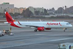 Avianca - Airbus A321-231 (N697AV) taxiing after landing at LAX on Aug. 30,…