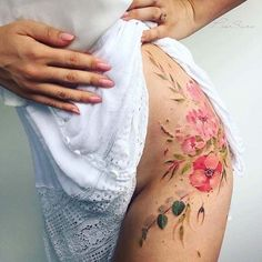 New Tattoo Flower Hip Tatoo Ideas Flower Hip Tattoos, Side Hip Tattoos, Side Tattoos Women, Floral Thigh Tattoos, Lace Garter Tattoos, Pretty Tattoos, Beautiful Tattoos, Rosen Tattoo Bein, Pis Saro Tattoo