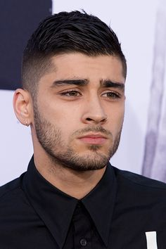 welcome to zayn malik gallery. Haircuts For Men, Celebrity Haircuts, Liam Payne, Zayn Malik Hairstyle, Cabello Zayn Malik, Zayn Malik Style, Zany Malik, Mens Facial, Beard Styles For Men