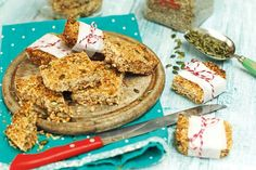Today, Neven has two recipes that you can make quickly at the weekend and include in your lunchbox during the week. Lunch Box, Cookies, Canning, Desserts, Recipes, Food, Crack Crackers, Tailgate Desserts, Deserts