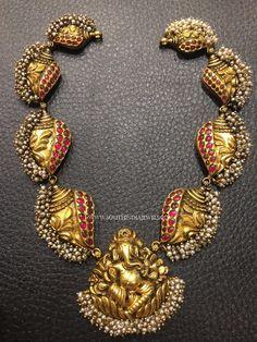 Gold Antique Ganesh Choker Necklace, 22K Gold Antique Ganesh Necklace Designs, Gold Ganesh Necklace Models.