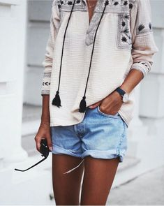 Beach Fun And Summer Looks 2018 Picture Description embroidered tassel tunic + denim shorts. Looks Street Style, Looks Style, Style Me, Spring Summer Fashion, Spring Outfits, Outfit Summer, Style Summer, Chic Outfits, Pretty Outfits