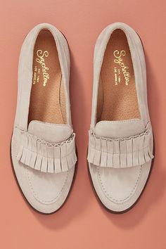 Liendo by Seychelles Ruffled Loafers Boho Heels, Boho Fashion, Womens Fashion, Ladies Fashion, Fashion Ideas, Fall Flats, Shoe Boots, Shoes, Metallic Leather