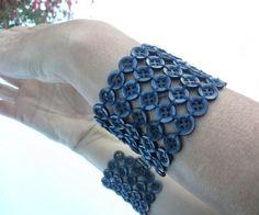 En casa de Tía Gretel: DIY: Pulseras hechas con botones
